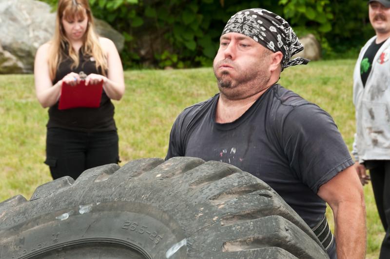 Fitness Revolution Strongman Challenge 2011_ERF4308.jpg