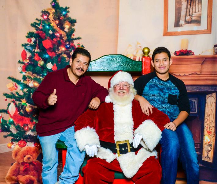 Santa Elmore 2016-12202.jpg