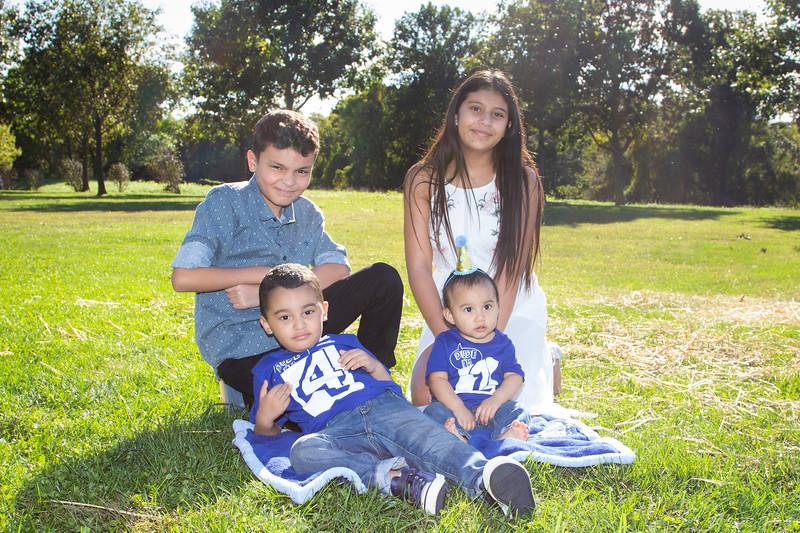 2020 10 Jose and Susanah Family _MG_070662.jpg