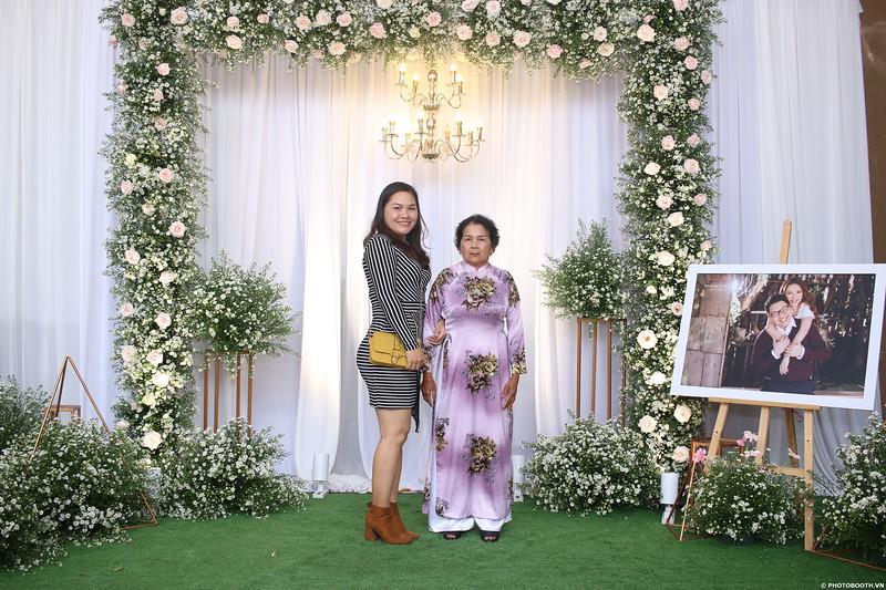 Vy-Cuong-wedding-instant-print-photo-booth-in-Bien-Hoa-Chup-hinh-lay-lien-Tiec-cuoi-tai-Bien-Hoa-WefieBox-Photobooth-Vietnam-073.jpg
