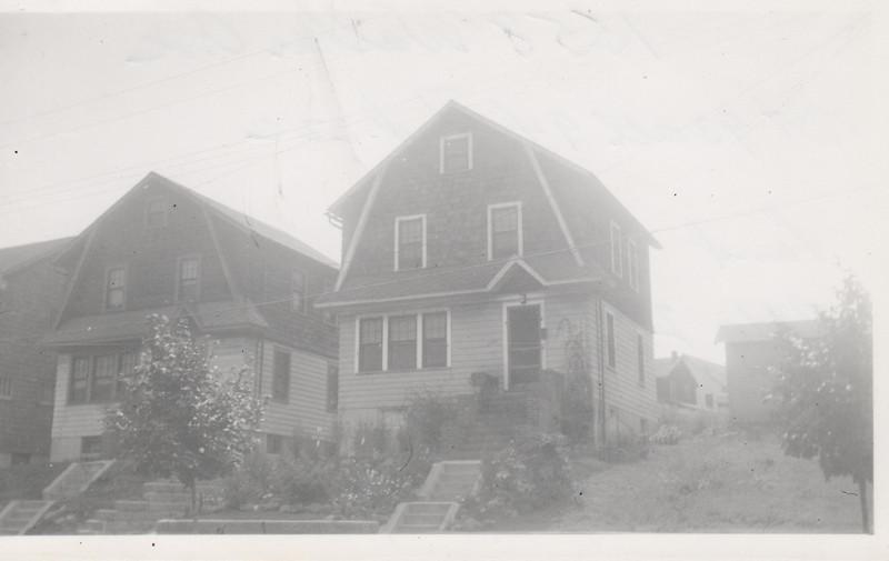 1558 WALKER AVE 1930.jpg