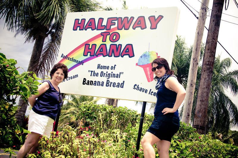 road to hana halfway me mom.jpg