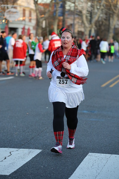 Toms River Police Jingle Bell Race 2015 - 01135.JPG