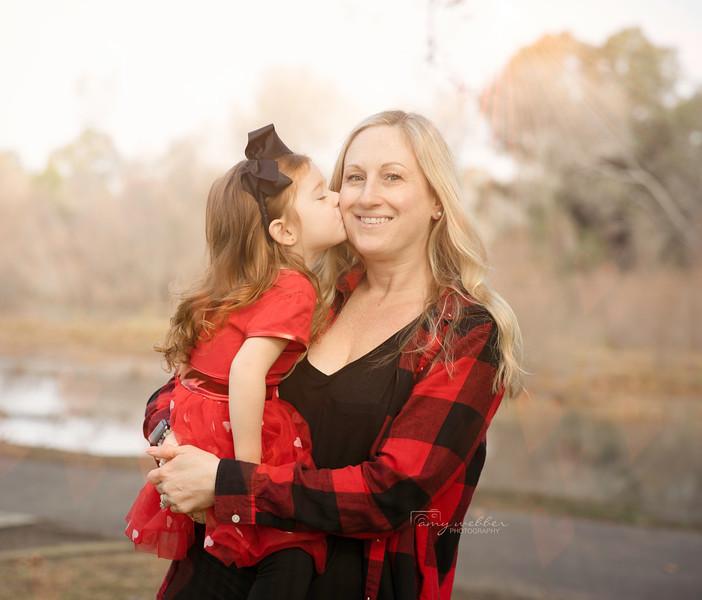 Harper kissess Bree.jpg