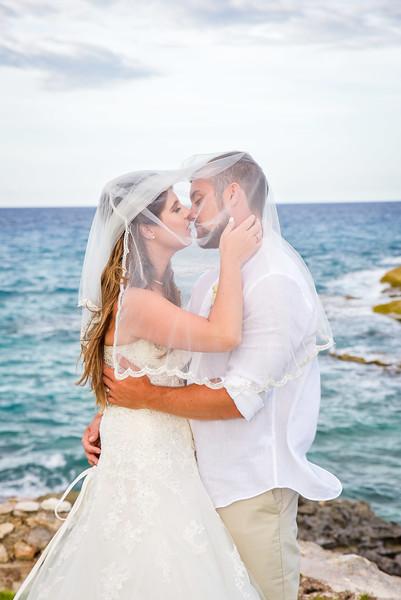 Beach wedding at Grand Isle Resort in Exuma Bahamas photo by Reno Curling #renocurling