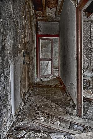 Etage - Ruine à bascule à Assé le Béranger