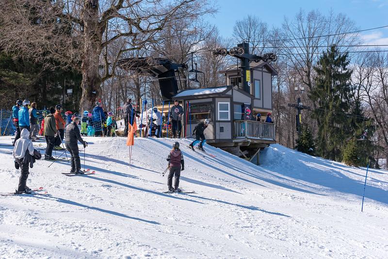 Standard-Race_2-3-18_Snow-Trails-73391.jpg