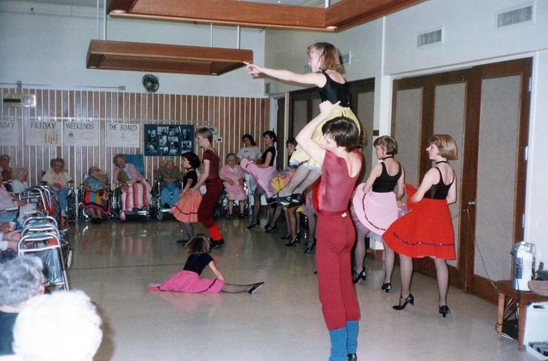 Dance_1949_a.jpg