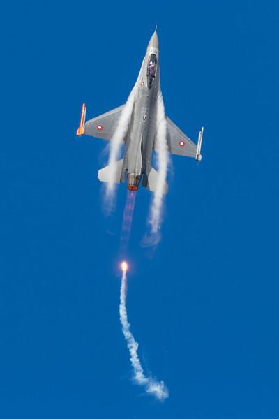E-600-F-16FightingFalcon-RDAF-RKE-EKRK-2017-08-19-_56I2816-DanishAviationPhoto.jpg