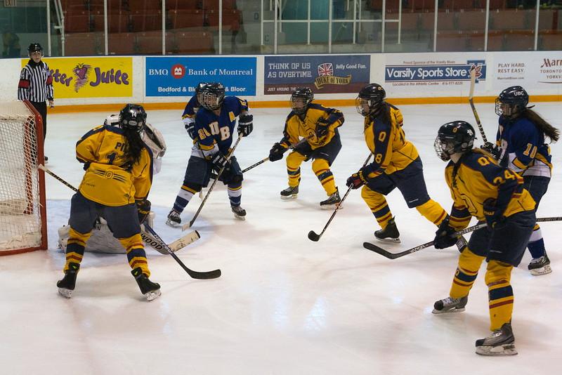 20130310 QWHockeyvsUBC 400.jpg