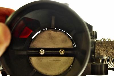 Focus - škrtící klapka a volnoběžný ventil