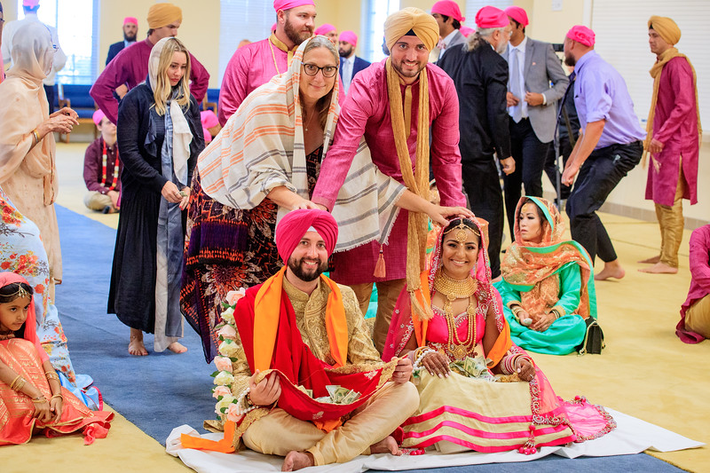 Neelam_and_Matt_Gurdwara_Wedding-1513.jpg