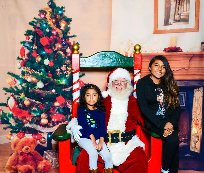 Santa Elmore 2016-12194.jpg