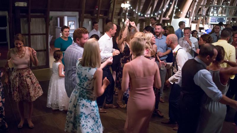 Garrett & Lisa Wedding (883).jpg