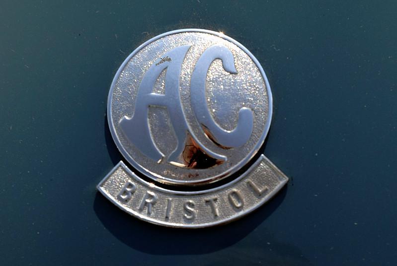 AC 1960 Aceca-Bristol Coupe hood badge.JPG