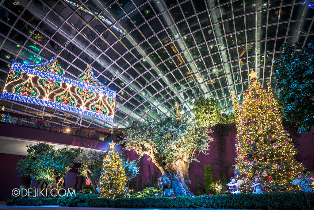 Gardens by the Bay - Merry Medley floral display - exit overview