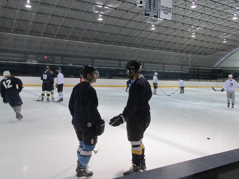 Alumni Hockey 2016 002.jpg