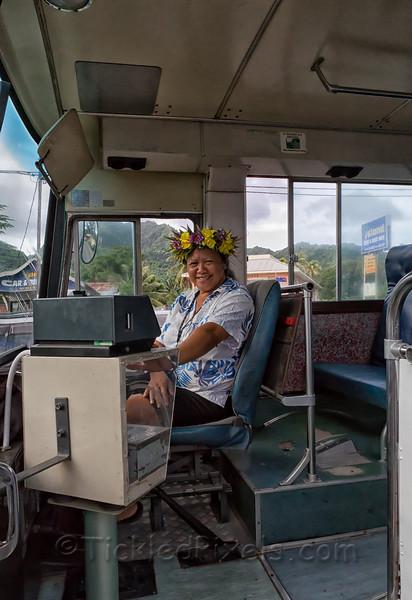 Clockwise Bus