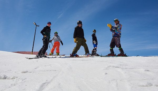 DAVID LIPNOWSKI / WINNIPEG FREE PRESS  (Left to right) Jonathan Shipley, Dee Hammersley, Rowan Parnell, Daniel Schmuelgen, and Dave Parnell enjoy the last day of downhill skiing and snowboarding at Stony Mountain Ski Area Sunday April 15, 2018.