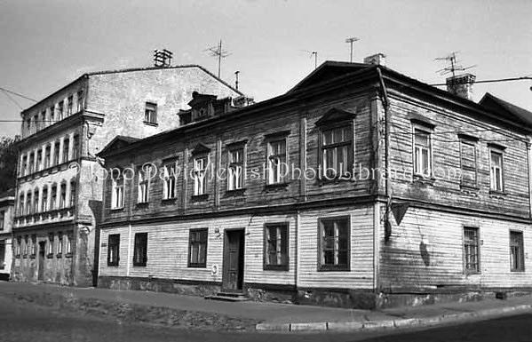 LATVIA, Riga. Ghetto. (1997)