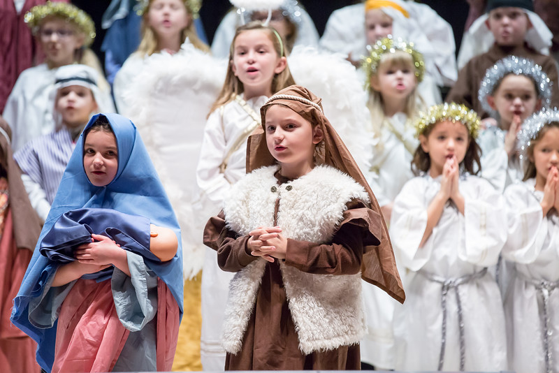 1st grade Christmas program (16 of 49).jpg