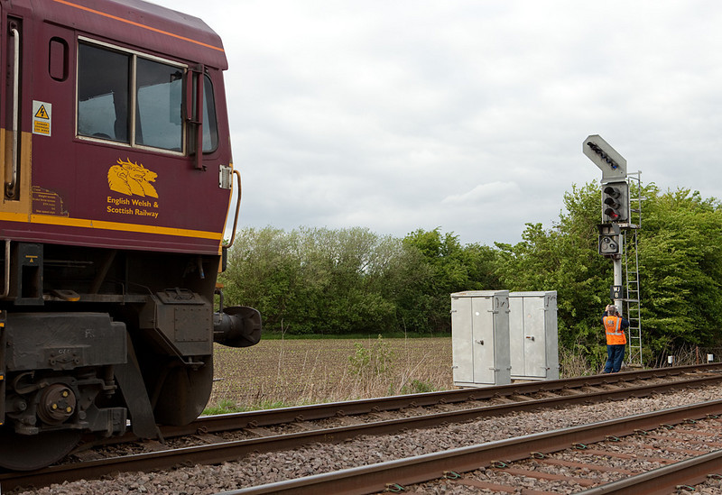 EWS 66 stopped at signal WJ 8 outside Wrawby Junction, asking for permission to proceed.