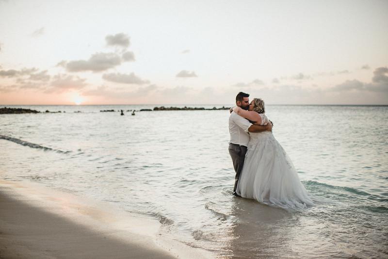 Requiem Images - Aruba Riu Palace Caribbean - Luxury Destination Wedding Photographer - Day after - Megan Aaron -11.jpg