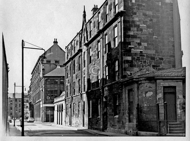 Buchan St, looking south from Carlton Place.