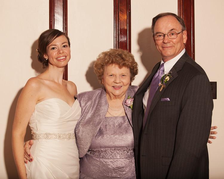 weddingphotographers570-2128405724-O.jpg
