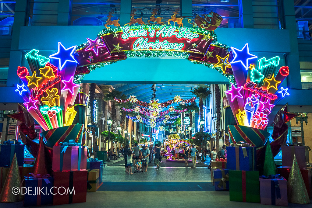 Universal Studios Singapore December Park Update - Santa's All Star Christmas 2016 / Park Decorations at Entrance Archway