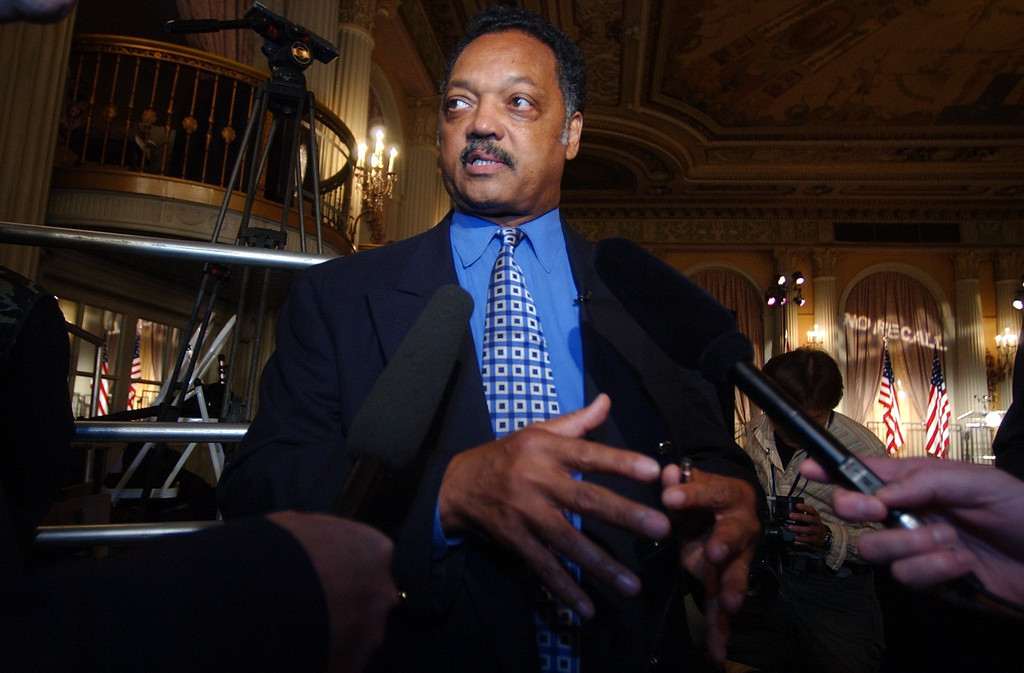 . 10-7-03-- LOS ANGELES Jesse Jackson arrives at the scene before the arrival of Governor Gray Davis at the Biltmore Hotel in Los Angeles on election night.