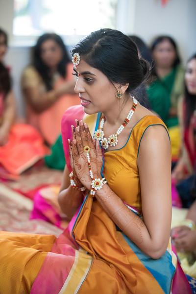 Hina_Pithi_Pooja-100.jpg