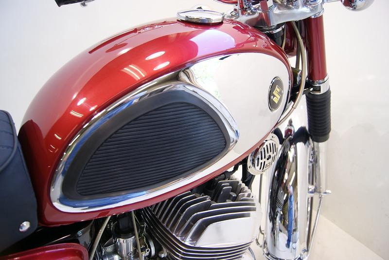 1968T500 4-10 073.JPG