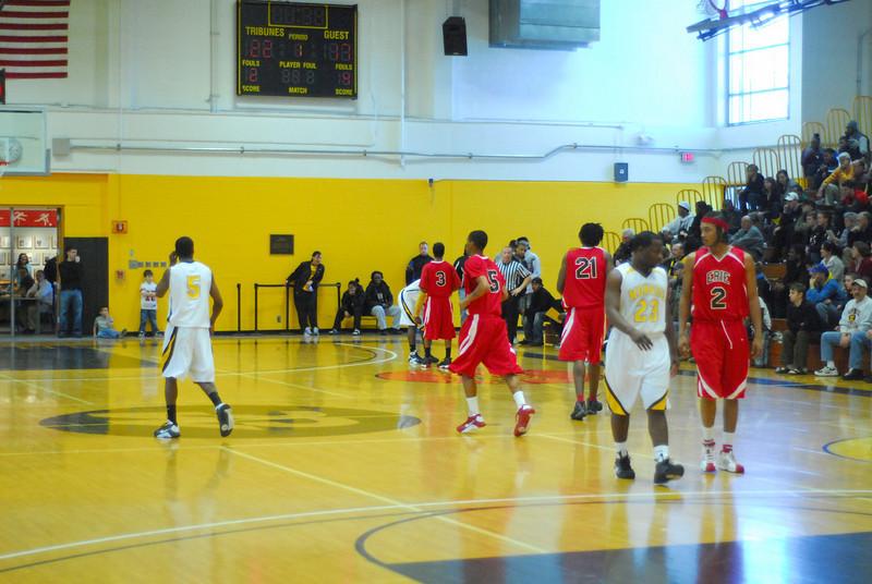 20090301_MCC Basketball_5544.JPG