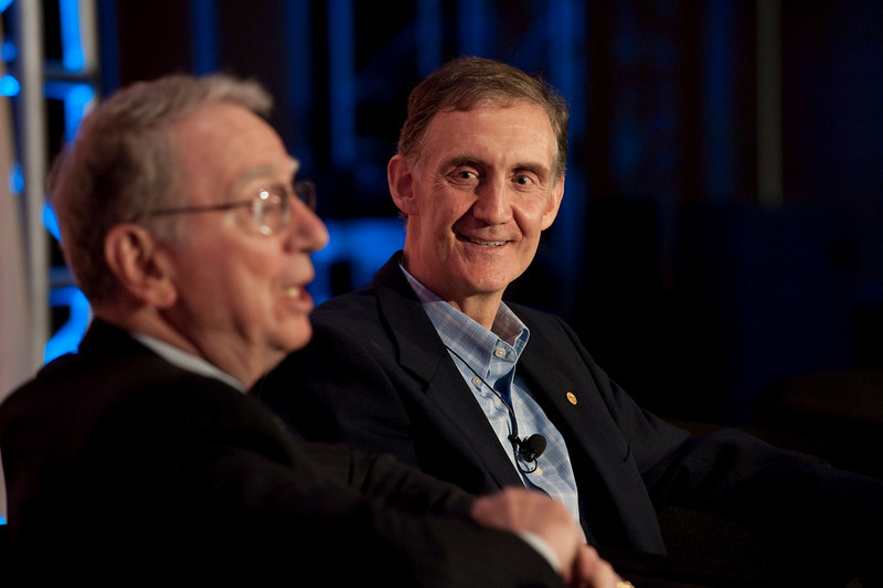 """""""Broadband Wireless: Solving Tomorrow's Problems"""": Irwin Jacobs (L), Co-Founder and Board Member, QUALCOMM; and host Ed Lazowska, Bill and Melinda Gates Chair in Computer Science, University of Washington"""