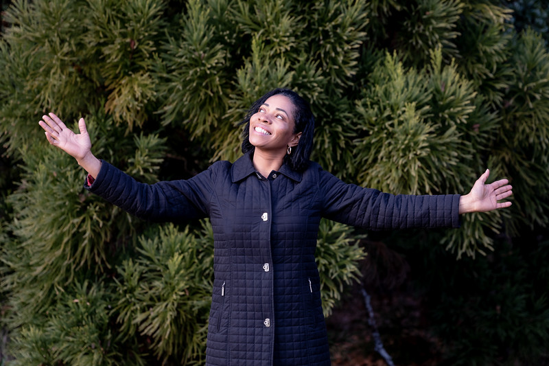 12.08.19 - Ana Santana (Christmas Photoshoot) - -38.jpg