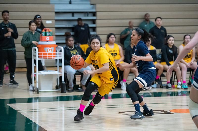 Basketball-W-2020-01-31-7824.jpg