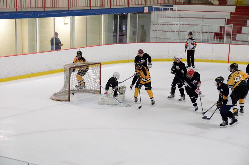 140913 Jr. Bruins vs. 495 Stars-120.JPG
