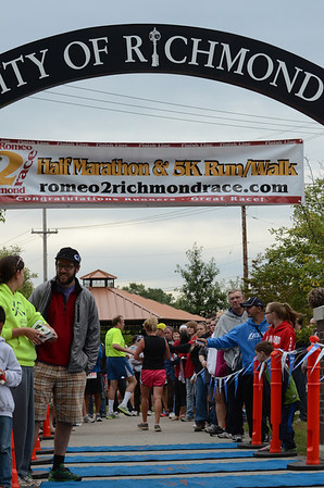 Finish, Gallery 2 - 2013 Romeo to Richmond Half Marathon