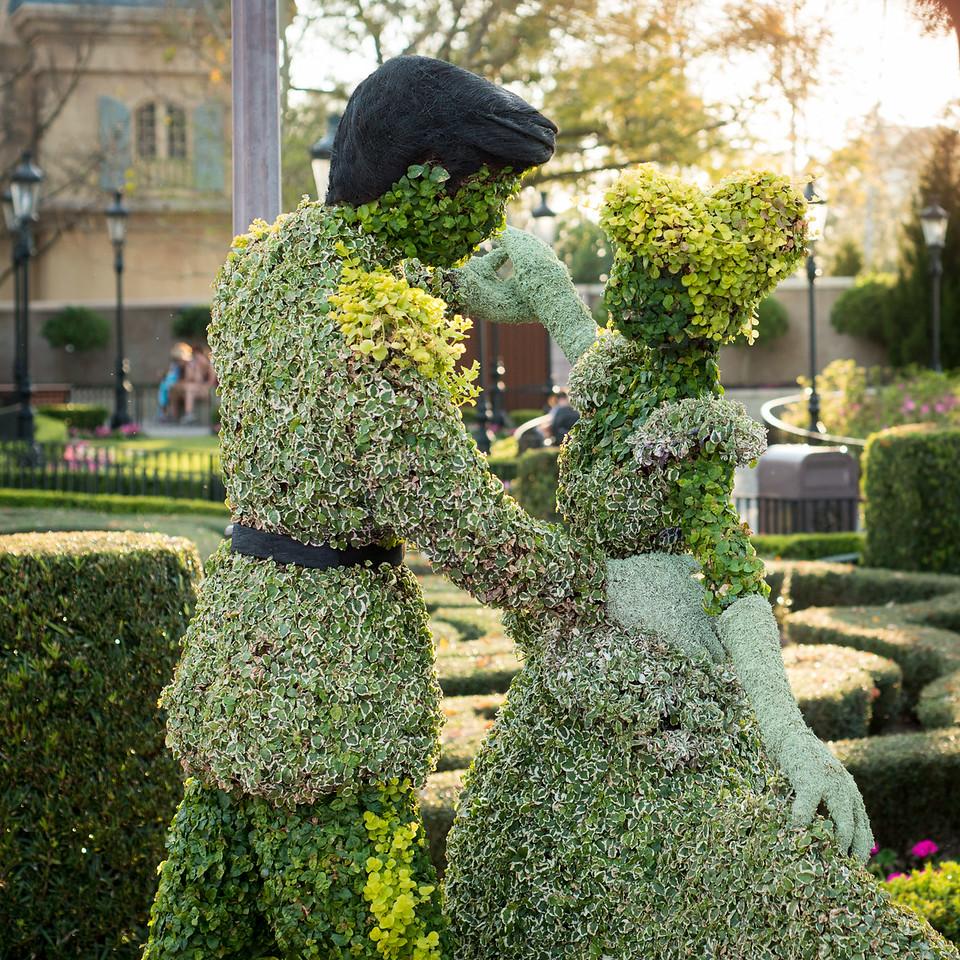 Cinderella Topiary - Epcot Flower & Garden Festival 2016