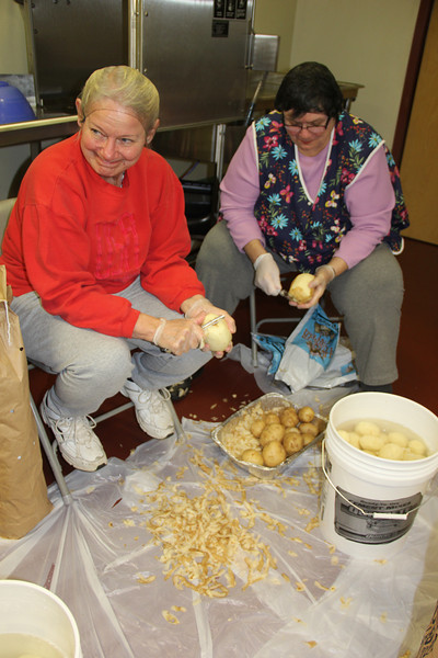 Preparing for Free Thanksgiving Day Meal, Salvation Army, Tamaqua (11-26-2013)
