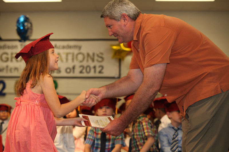 2012May18_MTA Kinder Grad_9699.JPG