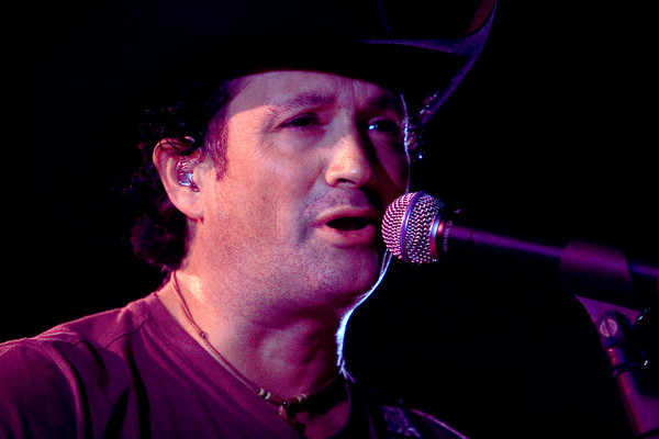 Tracy Byrd At The Saddle Rack Saloon In Kennesaw, Georgia