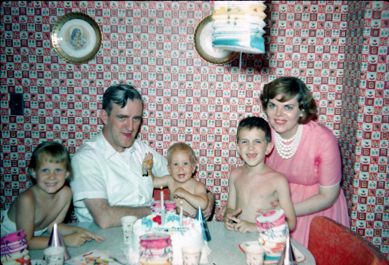 richard susan aunt mabel uncle john robert's 1st birthday.jpg