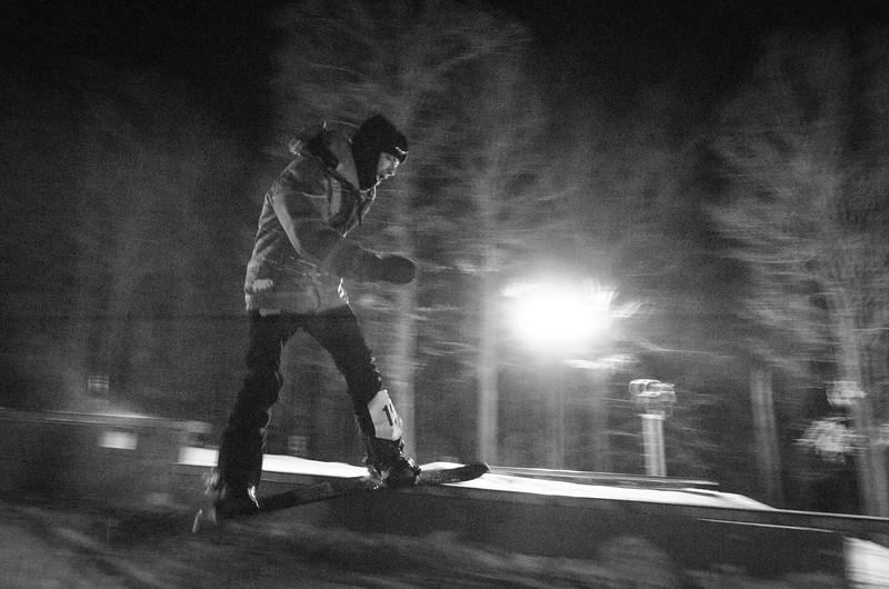 Nighttime-Rail-Jam_Snow-Trails-115.jpg
