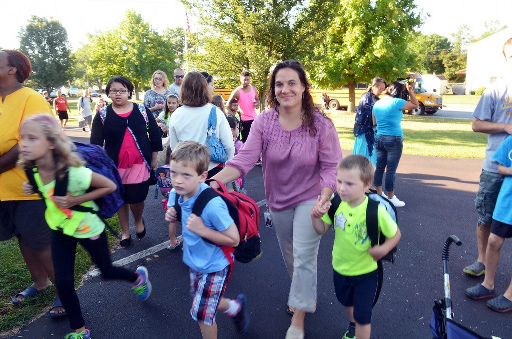 . First day of school at EM Crouthamel Elementary  in Souderton.   Monday, August 25, 2015.   Photo by Geoff Patton
