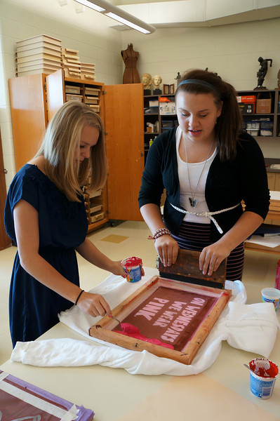 Lutheran-West-Art-Class-Silk-Screen-T-Shirts--September-2012--31.JPG