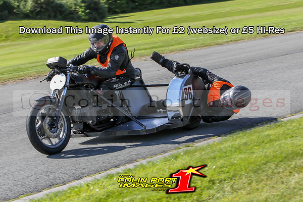 CLASSIC SIDECARS AINTREE AUGUST 2016