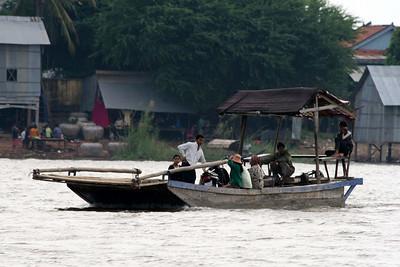 Boat ride from Phnom Phen to Siem Reap and Tonle Sap Lake Floating Village: Chong Kneas 14.Nov, 08