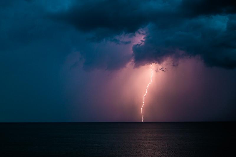 Sunsets and lightnig storms-7.jpg